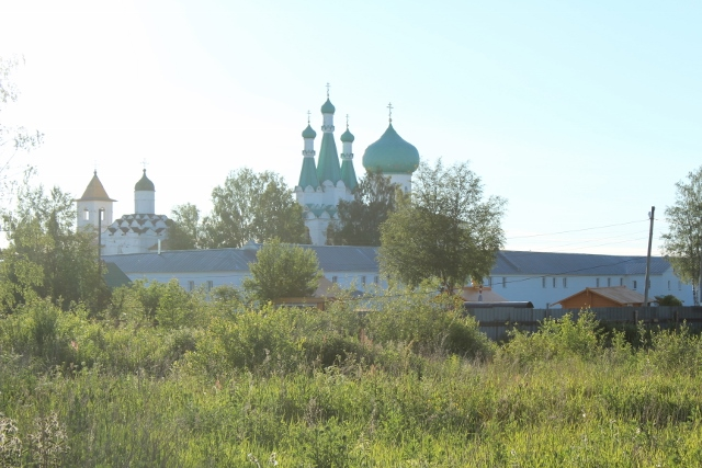 Kloster bei Lodeynoye Pole